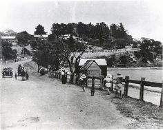 Oliver's Hill and the Pioneer Fisherman's Cove, circa 1912 - Photography, Landscape photography, Photography tips Melbourne Victoria, Victoria Australia, Photography Tips, Landscape Photography, Nature Photography, Melbourne Suburbs, City Library, Melbourne Australia, Historic Homes