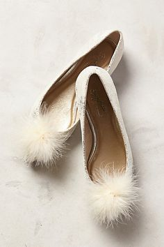 seychelles celebrar skimmer flats - so so adorable! Perfect to wear with skinny black jeans and a striped top! #anthrofave
