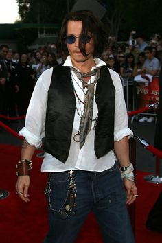 More Pics of Johnny Depp Aviator Sunglasses (30 of 39) - Johnny Depp Lookbook - StyleBistro