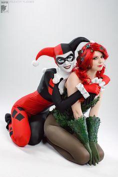 Harley Quinn & Poison Ivy - Ryoko Demon & Rei Doll - Sexy Cosplayers