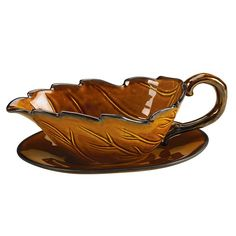 Leaf gravy boat with plate