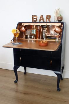 DIY Upcycling project - turn a writing bureauinto a cocktail cabinet for your festive parties upcycle projects home decor Plywood Furniture, Repurposed Furniture, New Furniture, Furniture Projects, Furniture Makeover, Vintage Furniture, Painted Furniture, Furniture Design, Barbie Furniture