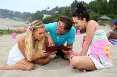 Leo Howard, Olivia Holt, and Kelli Berglund.