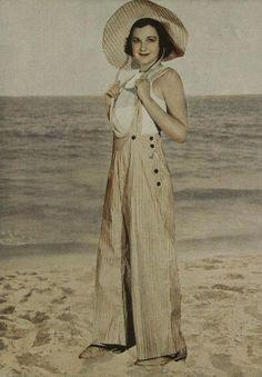 s inspirational vintage fashion vintage outfits, fas 1930s Fashion, Retro Fashion, Vintage Fashion, Cheap Fashion, Retro Mode, Vintage Mode, Vintage Wear, Vintage Outfits, Vintage Clothing