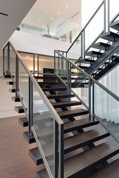 Carla Ridge Residence: Spectacular Beverly Hills mega mansion by McClean Design Modern Staircase Beverly Carla design Hills mansion McClean mega Residence Ridge Spectacular Modern Stair Railing, Stair Railing Design, Staircase Railings, Modern Stairs, Staircase Ideas, Staircase Remodel, Stair Handrail, Cable Railing, Bannister