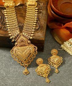Gold Bangles Design, Gold Earrings Designs, Gold Jewellery Design, Necklace Designs, Designer Jewellery, Gold Wedding Jewelry, Bridal Jewelry, Gold Jewelry, Jewelery