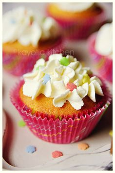 Vanilla Peach Cakes'  shows with pictures how to make these cupcakes!