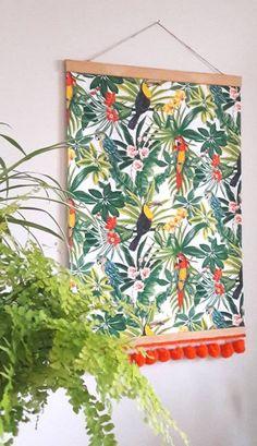 Cap sur les tropiques, la déco se met à l'heure exotique avec cette jolie bannière {DiY}... palmiers, hibiscus, perroquets feront désormais partis du paysage !!