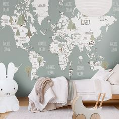 Wallpapers are the perfect way to create a room full of soul and personality {permalink #kidsroom #kidsroomdecor