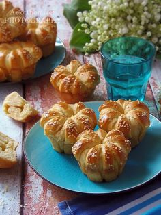Nálam ritkán készül muffin, talán azért, mert nem szeretjük a tömör süteményeket. Ezt a receptet az FB-n láttam ... Healthy Summer Snacks, Good Food, Yummy Food, Bread Bun, Bread And Pastries, Dessert Drinks, Winter Food, Other Recipes, Diy Food