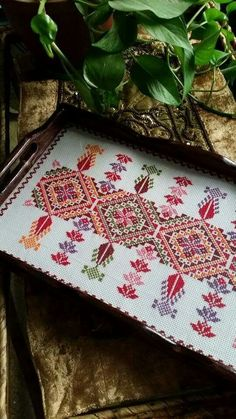 This Pin was discovered by Şey Christmas Embroidery Patterns, Folk Embroidery, Embroidery Patterns Free, Cross Stitch Embroidery, Embroidery Designs, Sewing Patterns, Just Cross Stitch, Cross Stitch Borders, Cross Stitch Designs