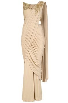 Mansi Malhotra presents Light gold hand embroidered shimmer drape saree available only at Pernia's Pop Up Shop. Saree Draping Styles, Drape Sarees, Saree Styles, Trendy Sarees, Stylish Sarees, Fancy Sarees, Lehenga Gown, Saree Dress, Indian Designer Outfits