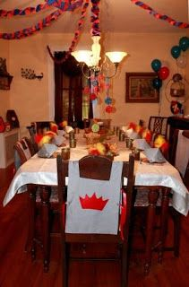 Parties2Plan: Knight Party Invitations & Decorations