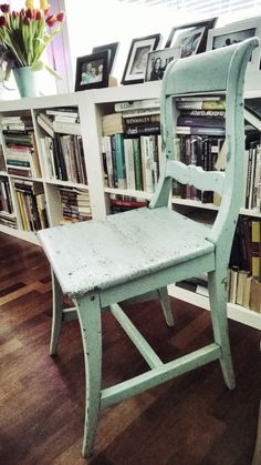 Biedermeier chair. Rustic and mint outfit