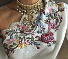 Embroidery Saree, Beaded Embroidery, Ethnic Fashion, Womens Fashion, Hand Embroidery Design Patterns, Fashion Terms, Saree Blouse Patterns, Silk Blouses, Saree Dress