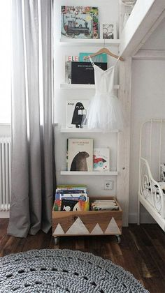 Space Saving Furniture Ideas for Small Kids Room ideas for small rooms for boys for kids space saving Space Saving Furniture Ideas for Small Kids Room Kids Room Furniture, Space Saving Furniture, Furniture Ideas, Crate Furniture, Girl Room, Girls Bedroom, Rooms Ideas, Bedroom Ideas, Deco Kids