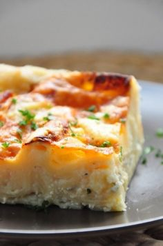FRENCH RECIPE:  Lasagnes blanches aux 3 fromages (comté, chèvre & bleu) from Mathilde Domergue. Link to recipe: http://lasagneblanchesauxtroisfromages.pen.io