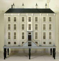 Grachtenhuis, anoniem, 1760 - Poppenhuizen - Kunstwerken - Ontdek de collectie - Rijksmuseum