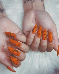 Halloween Acrylic Nails, Cute Halloween Nails, Halloween Nail Designs, Cute Acrylic Nails, Acrylic Nail Designs, Cute Nails, Pretty Nails, Nail Art Designs, Spooky Halloween