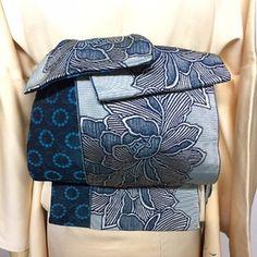 Modern Kimono, Kimono Pattern, Kimono Fabric, Silk Brocade, Fashion Catalogue, Japanese Outfits, Japanese Design, Japanese Beauty, Yukata