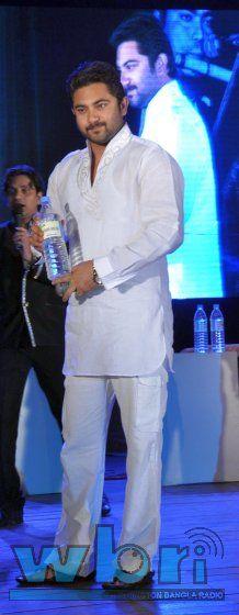 Ator SOHAM (SOHOM) Tollywood Celebs Soham and Shrabanti Launch Packaged Mineral Water in Kolkata - http://www.washingtonbanglaradio.com/content/14615213-tollywood-celebs-sohom-and-shrabanti-launch-packaged-mineral-water-kolkata