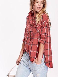 Women's Plaid Flannel Pullover Boyfriend Shirt Product Image