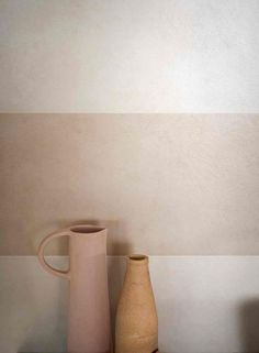 Oh we love these pale colors and these beautiful shapes! Oh we love these pale colors and these beautiful shapes! Mug Design, Deco Design, Ceramic Pottery, Ceramic Art, Ceramic Studio, Vintage Ceramic, Nude Colors, Cerámica Ideas, Magazine Deco