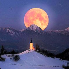 Slovenia, Jamnik, photo by Moon Photos, Moon Pictures, Shoot The Moon, Red Moon, Destination Voyage, Beautiful Moon, Super Moon, Stars And Moon, Full Moon