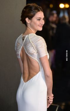Shailene Woodley attends the World Premiere of 'Insurgent' at Odeon Leicester Square on March Curvy Celebrities, Celebs, Shailene Woodly, Bollywood, Hollywood Girls, Beautiful Actresses, Lady, Women, Tfios