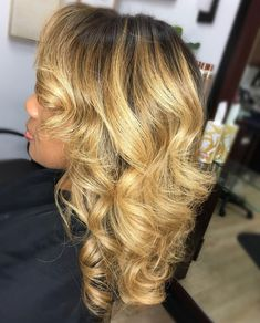 17 Most Prominent Summer Weave Hairstyles Balayage How To Balayage Ombre Step By Step Hair Tutorial Ombre Hair Color, Hair Color Balayage, Hair Highlights, Blonde Balayage, Balayage Hairstyle, Color Highlights, Hair Colour, Blonde Hair, Medium Hair Styles