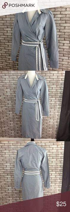 """Banana Republic shirt dress This is a great shirt dress! Gently used, good condition. Small spot on back of belt looks like water stain as pictured. I'm sure it will come out when dry cleaned. 53% polyester, 47% cotton, dry clean. 41 1/2"""" long, 24"""" arm , 17"""" bust laying flat, 13 1/2"""" waist laying flat, 18 1/2"""" hip laying flat. ⭐️ no trading or modeling ⭐️ Banana Republic Dresses Midi"""