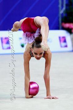 Dina AVERINA (Russia) ~ Ball @ World Cup Pesaro-Italy 07-09/04/'17 ❤️❤️ Alessandro Squassoni.