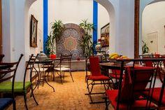 Hotel Alcoba del Rey de Sevilla, el Mundo de las Mil y una noches en el centro de Sevilla -- Junto a la Basílica de la Macarena, en Calle Becquer nº 9, Sevilla  --  Tel.: 954.91.58.00  --  Email: info@alcobadelrey.com  --  www.alcobadelrey.com