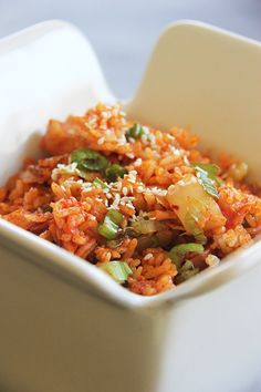Kimchi Fried Rice (Kimchi Bokumbop) - Brunch 'N Bites Entree Recipes, Asian Recipes, Cooking Recipes, Korean Dishes, Korean Food, Bento, Kimchi Fried Rice, K Food, Asian Cooking