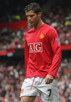 Cristiano Ronaldo of Manchester United walks off after the Barclays Premier League match between Manchester United and Manchester City at Old Trafford on May 10 2009 in Manchester, England. Get premium, high resolution news photos at Getty Images Cristiano Ronaldo Young, Cristiano Ronaldo Manchester, Cristiano Ronaldo Juventus, Manchester England, Manchester City, Cristino Ronaldo, Manchester United Football, Premier League Matches, The Unit