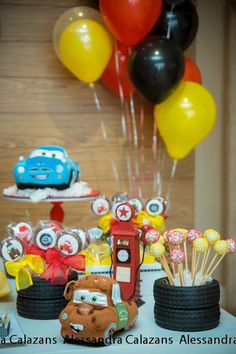 Birthday Party : Image : Description Lightning McQueen + Cars themed birthday party with Such Cute Ideas via Kara's Party Ideas Kara Allen Lightning Mcqueen Party, Car Themed Parties, Cars Birthday Parties, Race Car Birthday, Boy Birthday, Cake Birthday, Birthday Ideas, Festa Nascar, Auto Party