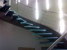 Купить стеклянные лестницы днепропетровск, лестницы из стекла под заказ, лестницы из стекла по самой низкой цене от производителя. по договорной цене в Днепропетровске, Украина