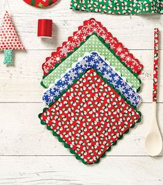 Sewing patterns free sewing patterns How to Sew Holiday Pot Holders Using Fat Quarters Fabric