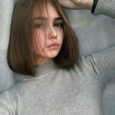 Aesthetic Cute Girls Fashion Inspo Jewelry Outfit Ideas Streetwear Vintage Old How To Cut Your Own Hair, Your Hair, Hair Inspo, Hair Inspiration, Hair Looks, Pretty Face, Pretty Hairstyles, Pretty People, New Hair