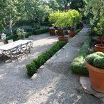 Gravel used in a stepped yard project by Yard Elves
