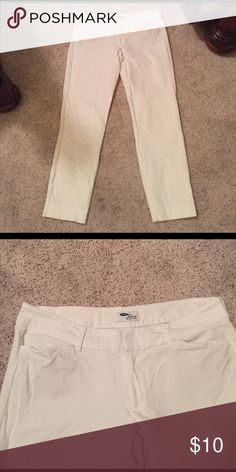 Old Navy diva pants size 12 Stretchy pants. 34 inches from top to bottom Old Navy Pants Straight Leg