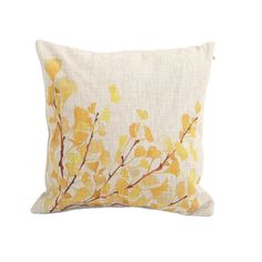 Another example of how yellow can be used to diffuse the strong, traditional orange and brown colors of fall, for a softer autumn inspired look. - From The Home Decor Discovery Community of www.DecoandBloom.com