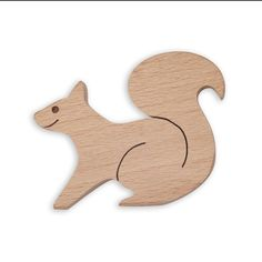 Wooden squirrel toy | Wooden animal figures | Diotoys.com