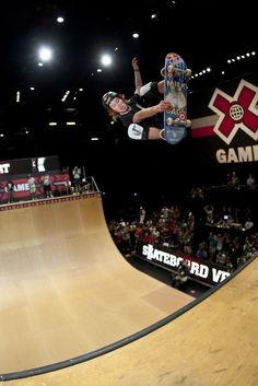 [shaun white @ X Games] Fc Barcelona, Shaun White Olympics, Shaun White Skateboarding, Lionel Messi, Justin Kirk, Winter Olympics 2014, X Games, World Of Sports, Sports Stars