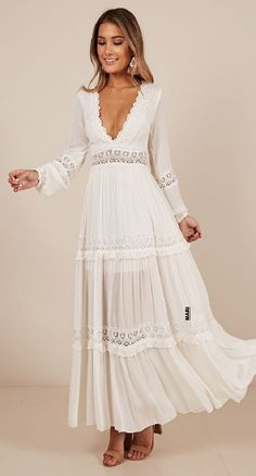 Ariel maxi dress in white White Flowy Dress, Lace Dress With Sleeves, Wedding Dress Sleeves, Beautiful Casual Dresses, Elegant Dresses, Fall Dresses, Cute Dresses, Boho Fashion, Crochet
