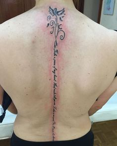 Pequeño fenix con frase  #fuenlabradatattoos #fuenlabrada #tattoo #tatuaje #tattoos #tatuajes #ink #inked #madrid #madriz #madridtattoo #letteringtattoo