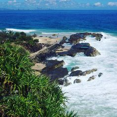 World famous surf break #snapperrocks #surf #surfing #goldcoast #australia #paradise #waves #whataview by beattie_amy