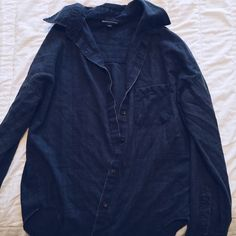 brandy melville wylie flannel faded navy/dark blue flannel from brandy. fade gives it a nice vintage distressed look 😇 /// Brandy Melville Tops Button Down Shirts