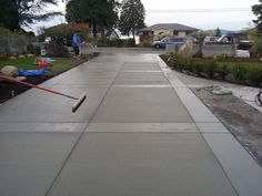 Stamped concrete patterns driveway ideas: A fantastic off white or beige affords the room a much bigger appearance, as will accents and furnishings in lighter colors. Dark colors can certainly make the appearance in dimensions. Cement Driveway, Stamped Concrete Driveway, Driveway Design, Concrete Walkway, Driveway Landscaping, Backyard Fences, Driveway Ideas, Driveway Border, Concrete Patios
