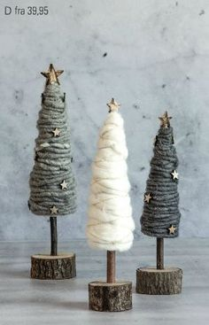 DIY Tannenbäume aus Wolle Christmas is all around you - welpen # noel Noel Christmas, Homemade Christmas, Rustic Christmas, All Things Christmas, Winter Christmas, Christmas Ornaments, Christmas Stockings, Christmas Tree Crafts, Christmas Balls